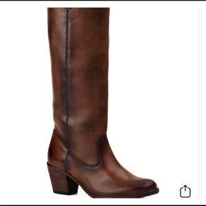 Frye Jackie Button Boot. Dark brown. Size 11